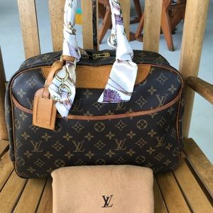 Louis vuitton authentic deauville handbag